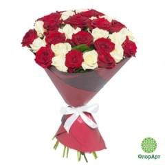 Букет из 33 российских роз