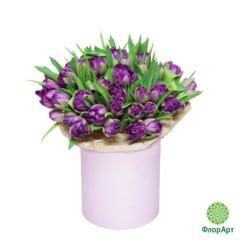 Шляпная коробка с пионовидными тюльпанами